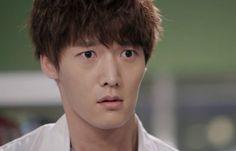 Choi Jin Hyuk And Song Ji Hyo Make A Comic Couple