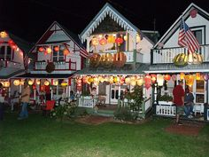 Oak Bluffs: Illumination Night 2007 by Professor Bop, via Flickr