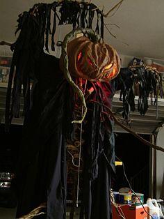 Halloween Decorating Ideas | Scary Halloween Party Decorations | Pumpkin Scarecrow