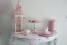 Shabby Chic!  Shabby chic tea party!  http://rebeccanewport.blogspot.com/