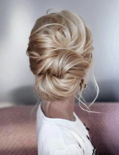 Gorgeous up do.  Per