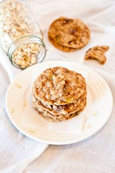 PB oatmeal white chocolate chip cookie