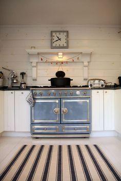 La Cornue stove. love.