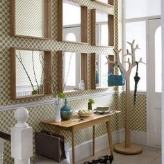 mirror arrangement and console