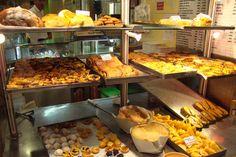 Pasteis de Belem, Pasteis de Nata, Pao de Lo, Pingos de Tocha, etc - Portuguese pastries, Portugal  Haz clic en la imagen para más información