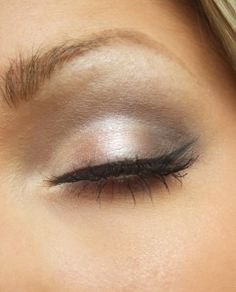 Light brown smokey eye