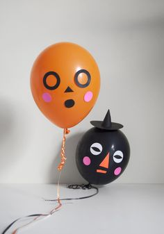 Mer Mag: DIY silly Halloween Face Balloons — great idea for a halloween craft or party activity