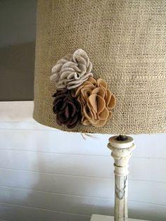 DIY Burlap and felt flower lamp shade.  LOVE.