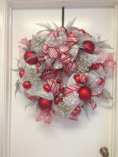 Snowflakes winter deco mesh wreath