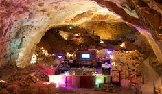 The Grand Canyon Caverns, Cavern Motel Room