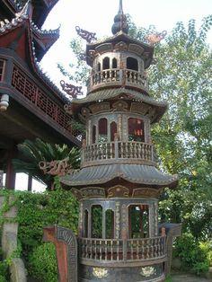 : Pagoda near Yangtzi River, China