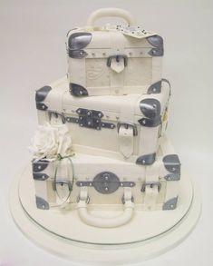Wedding cake pastel, suitcas cake, luggag cake, weddings, wedding cakes, cake designs, party cakes, travel wedding, crazy cakes