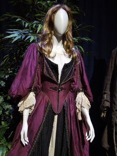 Elizabeth Swann Pirates of the Caribbean Curse of the Black Pearl dress
