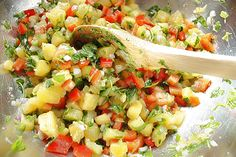 This pineapple salsa inspired by the movie The Descendents, would pair up perfectly with chips.  The sweet and salty combination is to die for. #CouchCritics