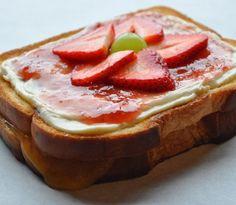 Grilled Strawberry Cheesecake Sandwich