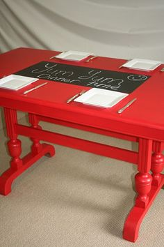 red table 004