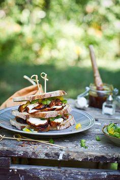 Barbecue chicken breast sandwich