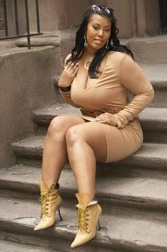 thick black women - Google Search...Nice outfit on a very sexy woman! <3<3