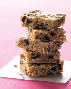 Oatmeal-Raisin Bars: the perfect lunchbox treat!