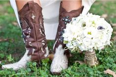 Cowboy boot & wedding dress <3