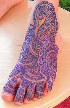 Cool peacock tattoo!! I would probably do that on my hand instead of foot though. But I dunno, still looks pretty cool.