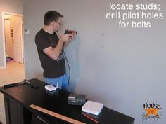 mounting_tv_on_wall_how_to_hoh_12 by benhepworth, via Flickr