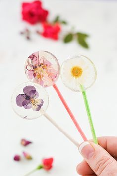 Easy DIY lollipops w