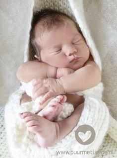 Newborn Fotografie www.puurmetliefde.nl
