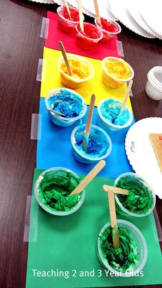 Teaching 2 and 3 Year Olds: Rainbow Painting