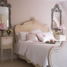 Pale mint-green bedroom: old fashioned g - http://myshabbychicdecor.com/pale-mint-green-bedroom-old-fashioned-g/