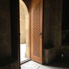 Entrance to Sultan's Palace, Old City, Baku, Azerbaijan sultan palac