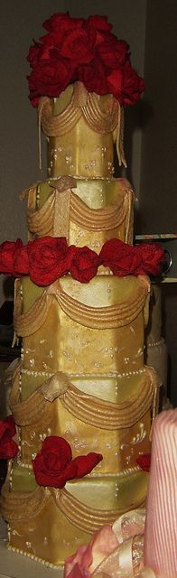roses and swags by Tammie Coe Cakes, via Flickr