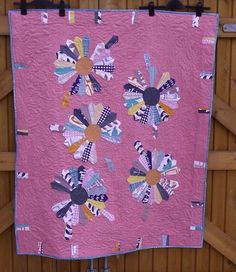 Check out the Little Island Quilting blog and learn more about this beautiful quilt made with Lotta Jansdotter's newest collection Glimma.