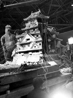 vintage everyday: Awesome Behind The Scenes Photos from Horror Movies  GODZILLA