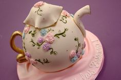 Google Image Result for http://apieceocake.com/userfiles/image/gallery/victorian-teapot/victorian-teapot__display.jpg
