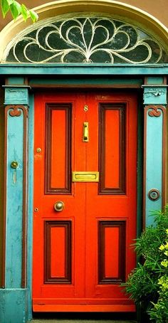 Color Palette: Tangerine to Orange bright door