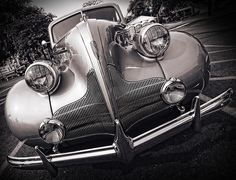 1939 Buick Eight grill