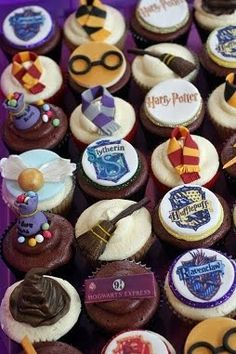 Harry Potter cupcakes--too cute!