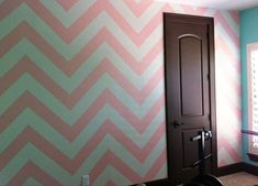 How to Paint a #Chevron Wall - #nursery