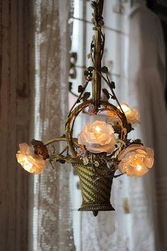 rose bassket chandelier