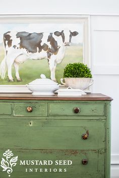 I stripped and refinished the top in a Dark Walnut stain and MMS Furniture Wax.  The body of the dresser is also finished in Furniture Wax. Dark Green Furniture, Dreams Farmhouse, Diy Painting, Painting Furniture, Tv Cabinets, Furniture Wax, Miss Mustard Seeds, Green Dressers, Milk Painting