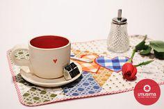 Individuales con corazones. Hecho en casa. http://www.utilisima.com/manualidades/8839-individuales-con-corazones.html
