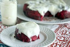 Red Velvet Rolls with Cream Cheese Frosting www.countrycleaver.com