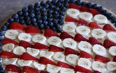 patriotic fruit pizza. holidaybirthday idea, american food, flag pie, flag fruit, best fruit pizza recipe, best 4th of july fruit pizza, pizzas, juli, dessert