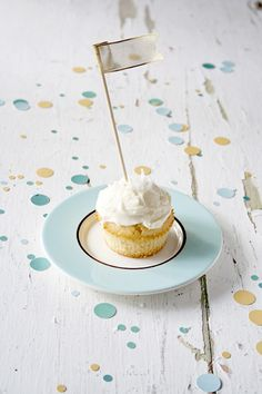 Coconut cupcake with white chocolate buttercream