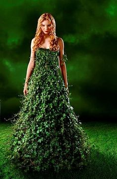 Fabulous leaf dress (Can't imagine actually wearing it, but it's amazing!)
