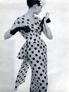 Lanvin Castillo 1957 - long gloves, polka dots!
