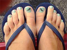 Pedicure design ideas --mint feathers aqua turquoise Tiffany blue