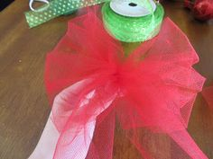 how to make a giant bow out of tulle
