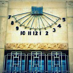 Art Deco Court House .